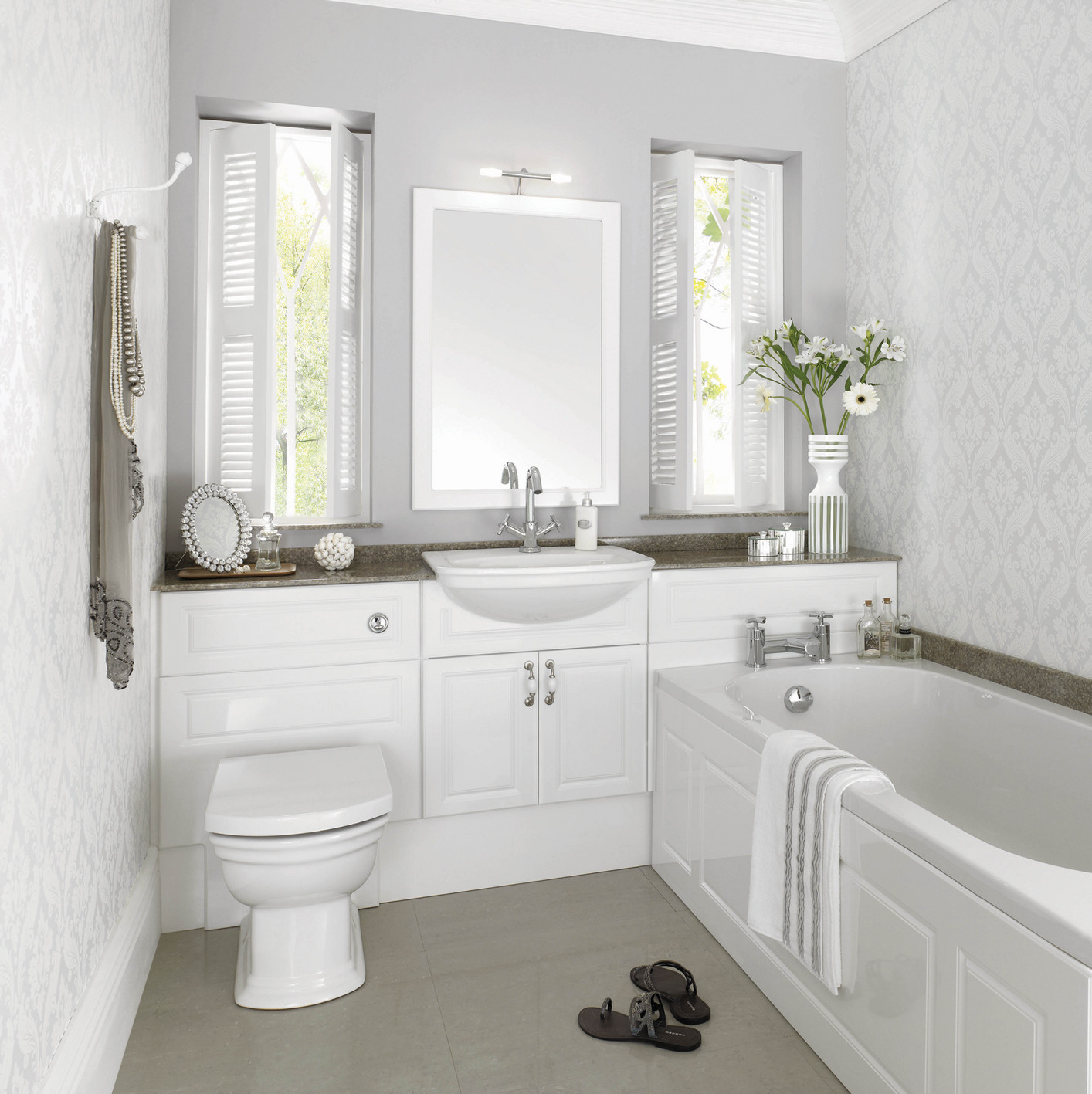 Fitted bathroom furniture designers in lincolnshire for Luxury bathroom ideas uk
